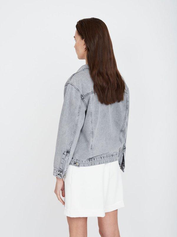 Куртка из денима прямого силуэта вид сзади