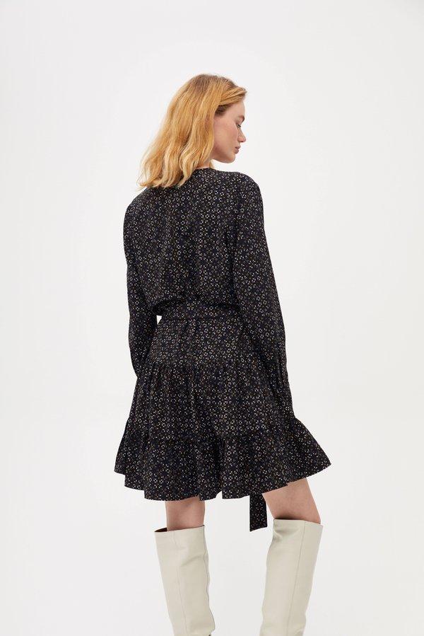 Платье с оборками вид сзади