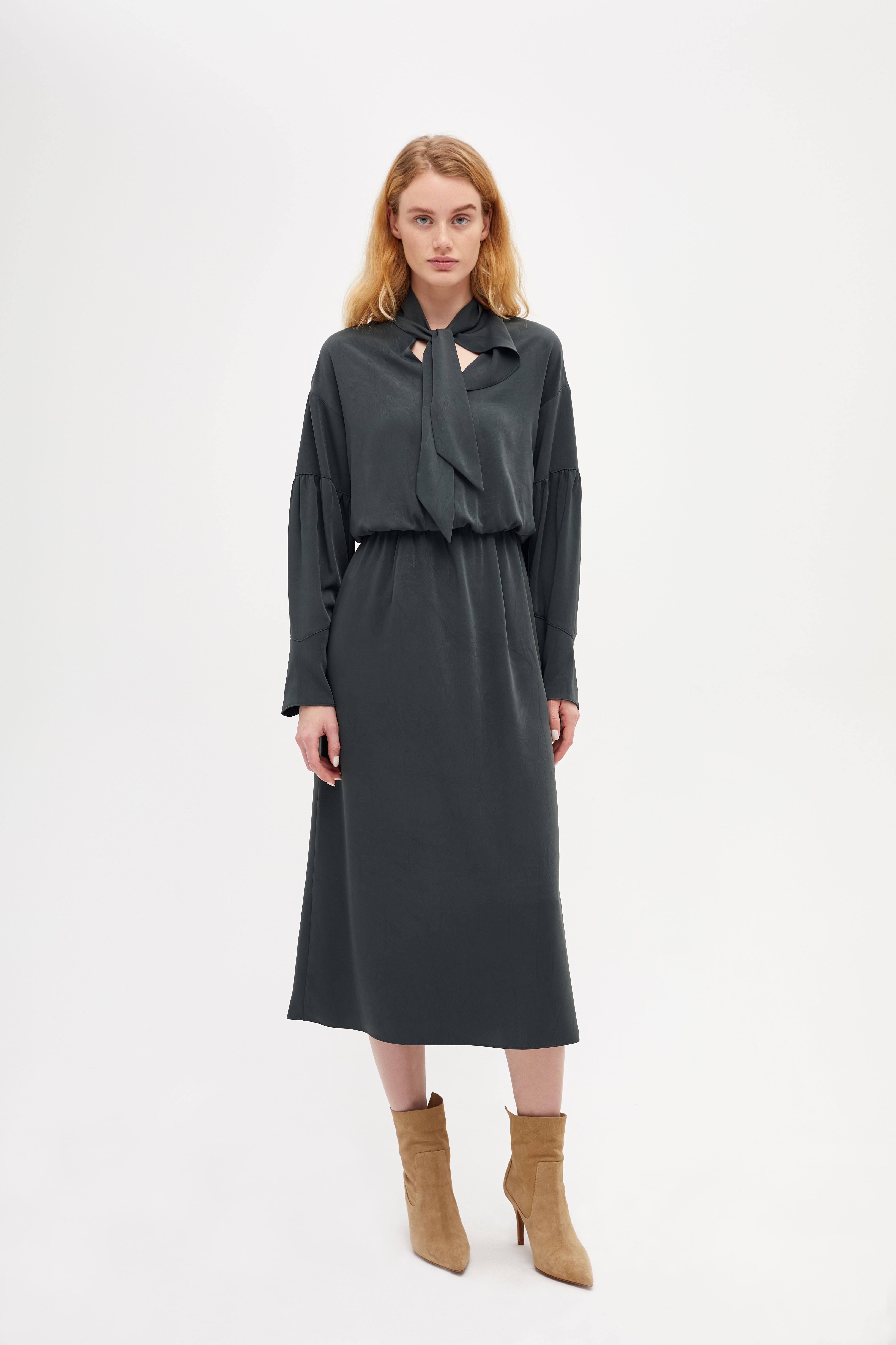 Платье LIME Платье с завязками wayf платье трапеция iris с завязками на спине