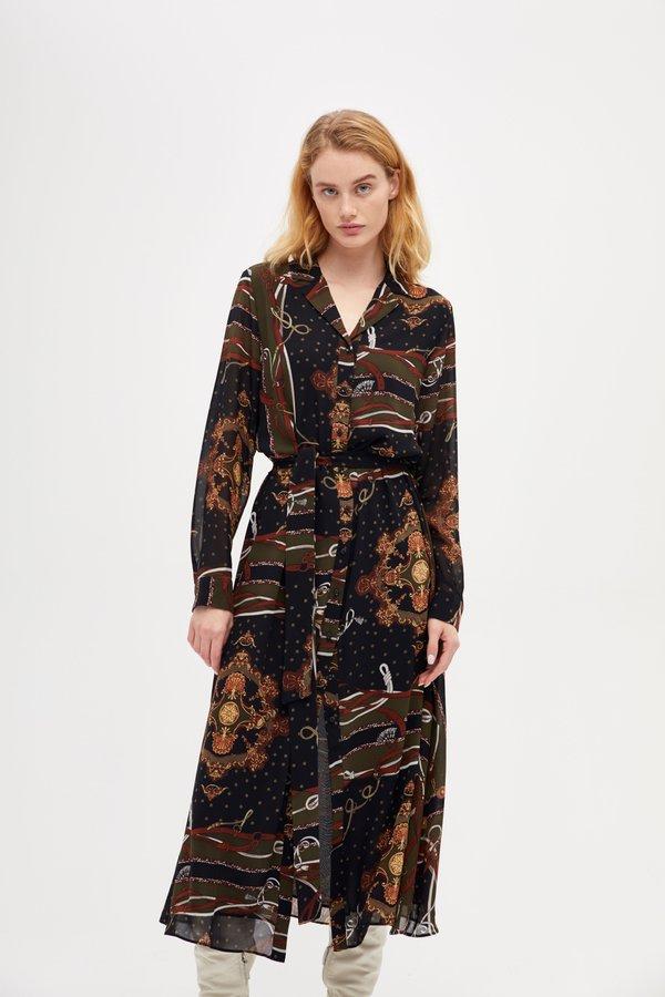 Платье прилегающего силуэта цвет: черный с цветами