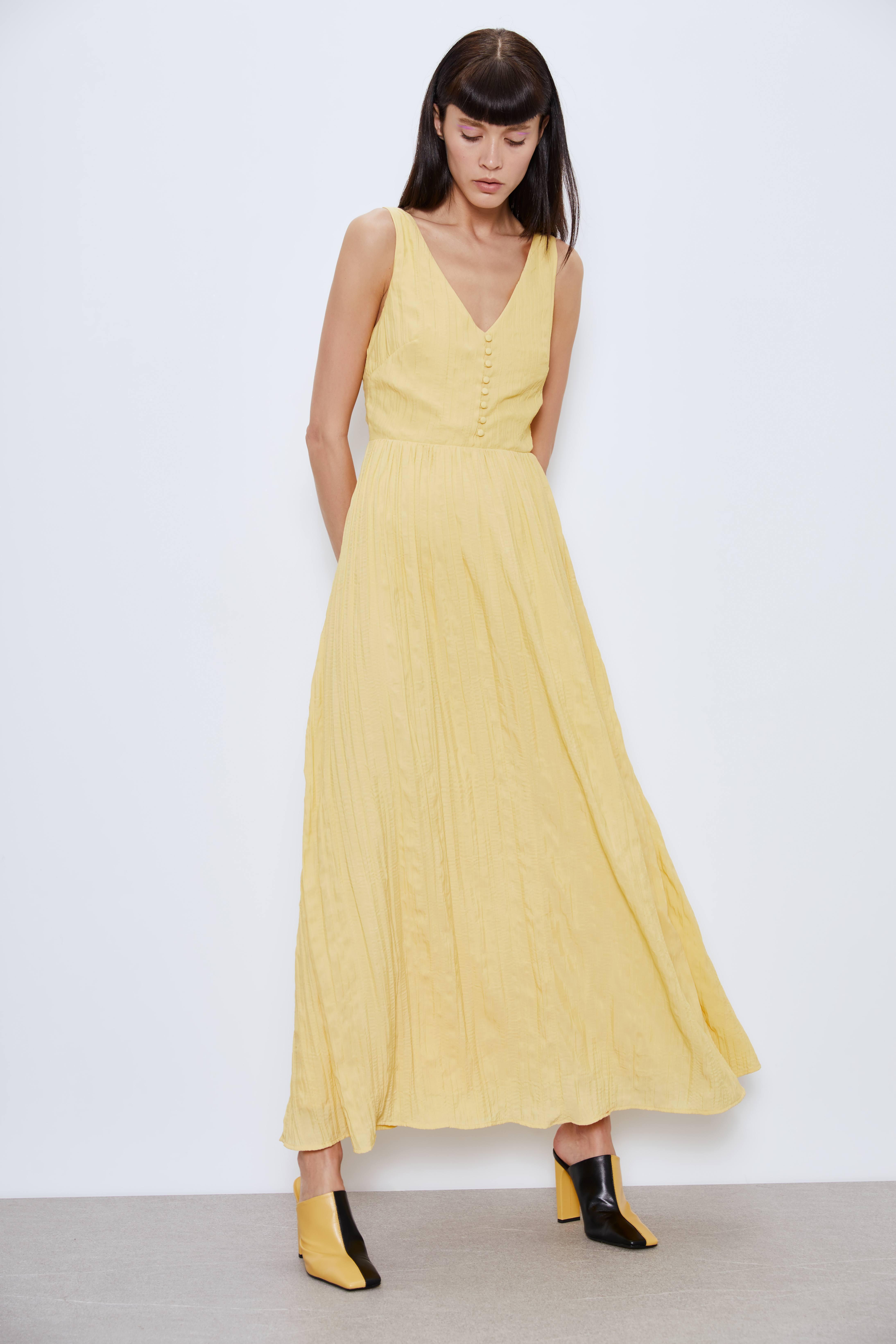 Миди платье из жатой ткани фото