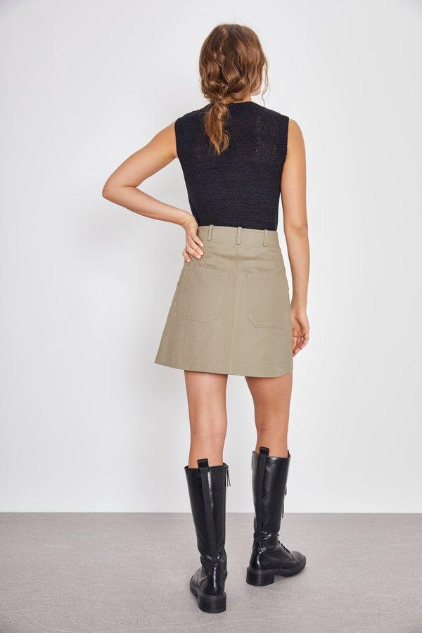 Мини-юбка с карманами вид сзади