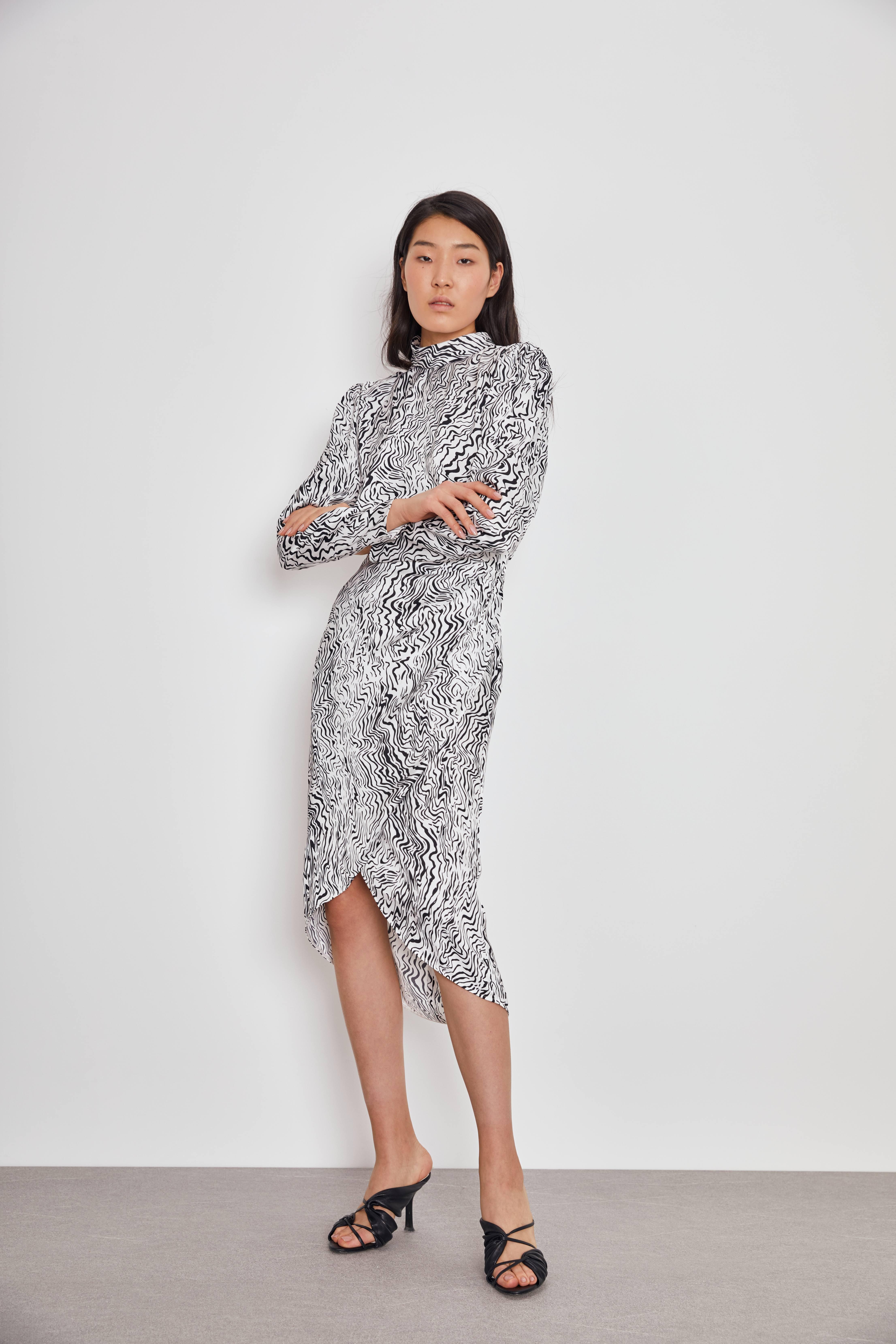 Платье LIME Платье с драпировкой платье everis