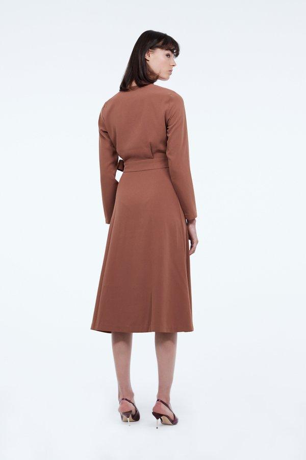 Платье с запахом вид сзади