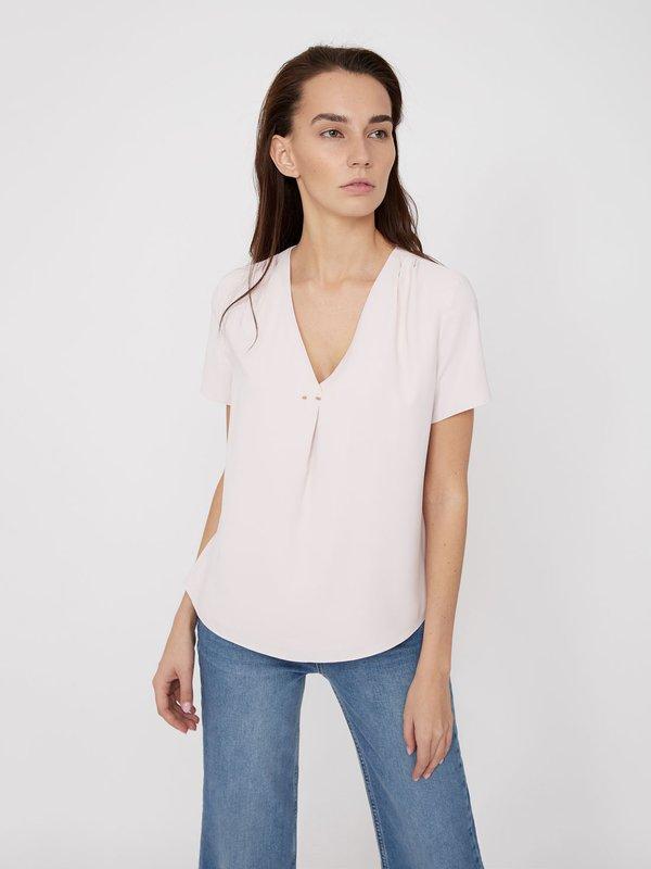 Блузка с V-образным вырезом