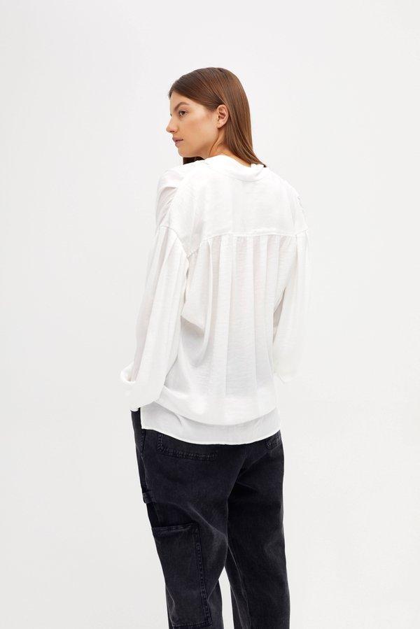 Блузка с завязками вид сзади