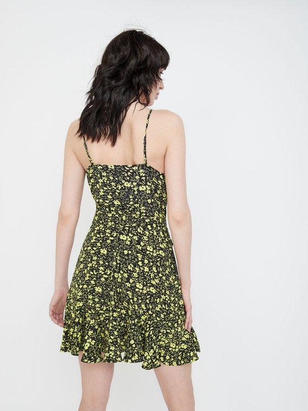 Платье с запахом и поясом вид сзади