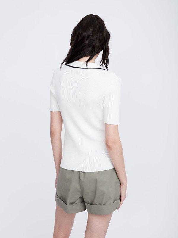 Джемпер с короткими рукавами вид сзади
