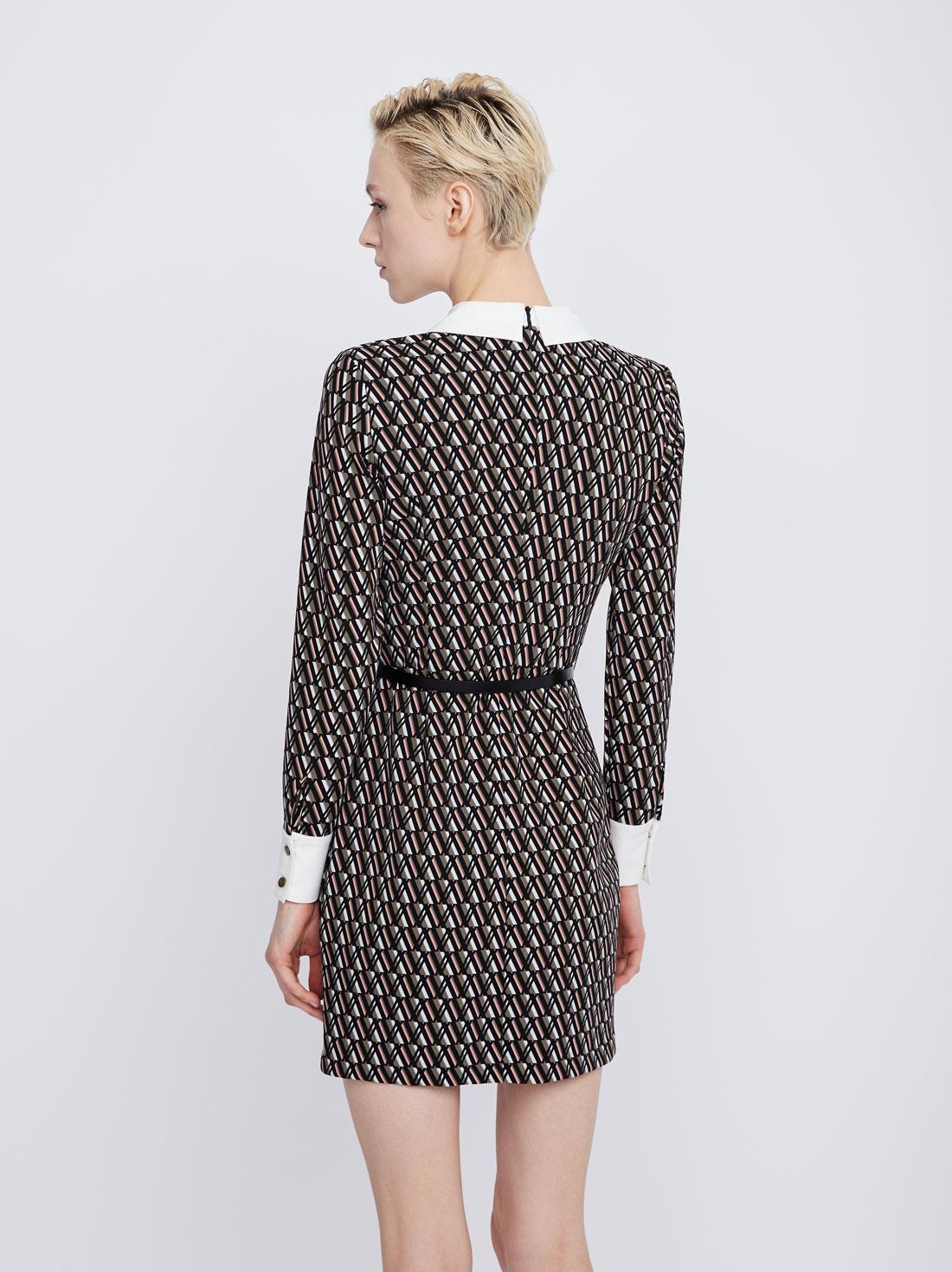Платье с контрастным рукавом и манжетами