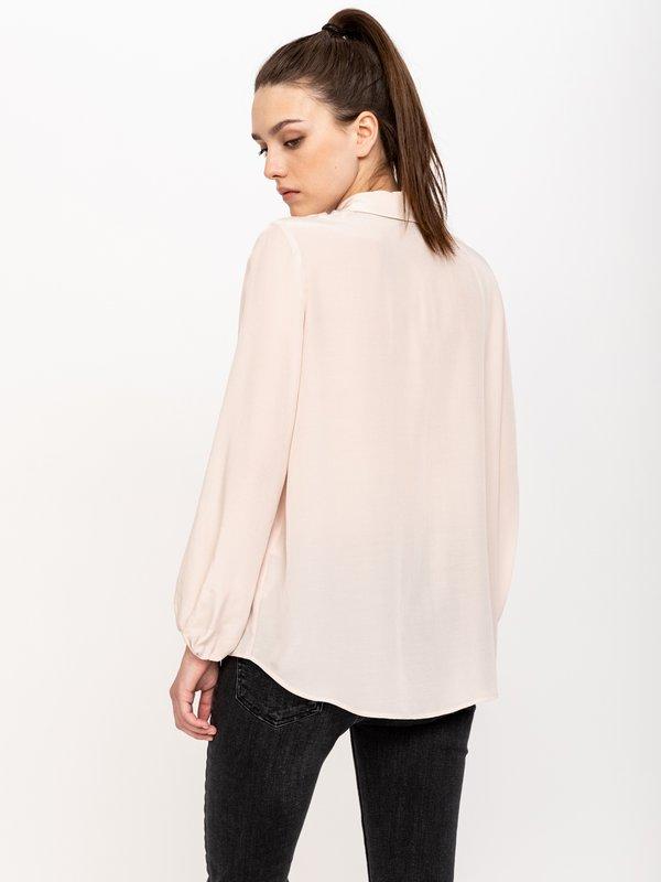 Рубашка со складками вид сзади