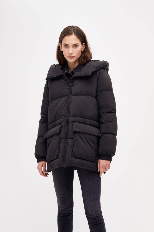 Куртка с объемным капюшоном