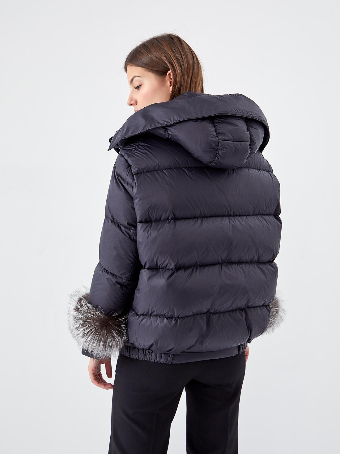 Куртка с меховыми манжетами