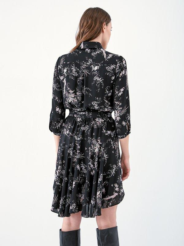 Асимметричное платье с цветочным принтом вид сзади