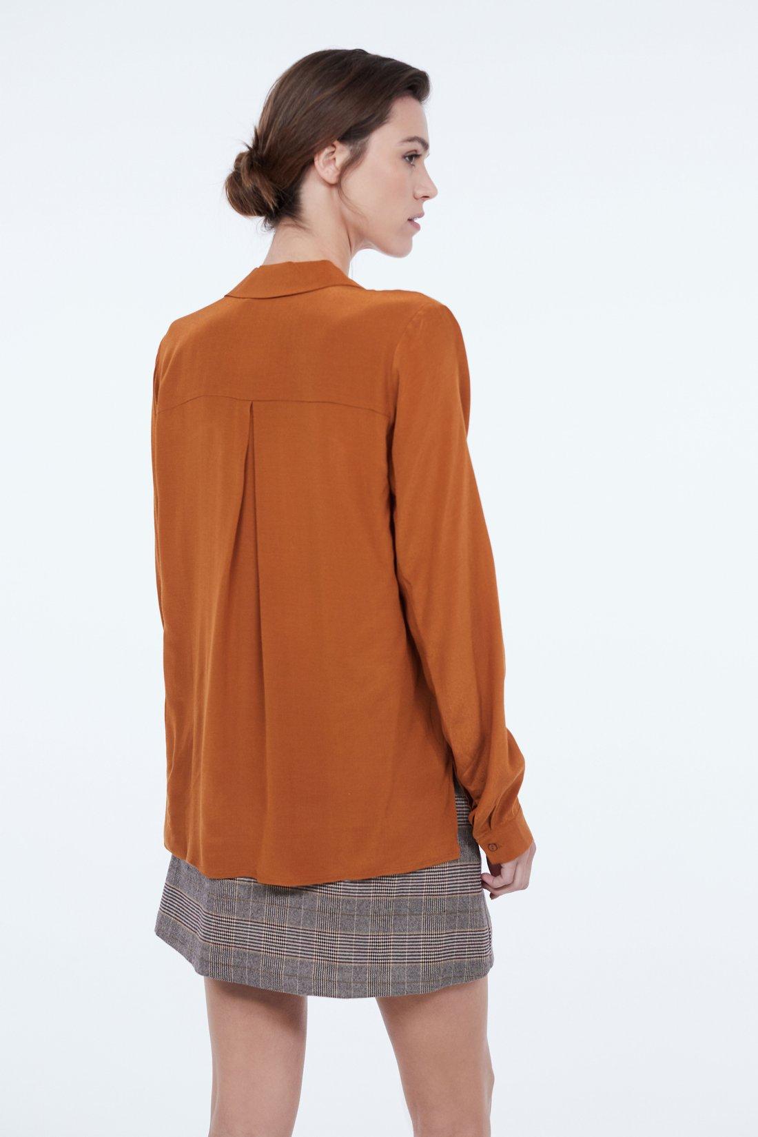 Рубашка из струящейся ткани