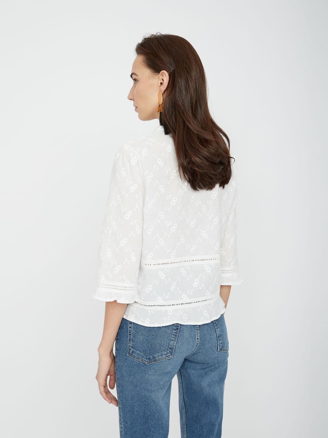 Блузка с перфорацией