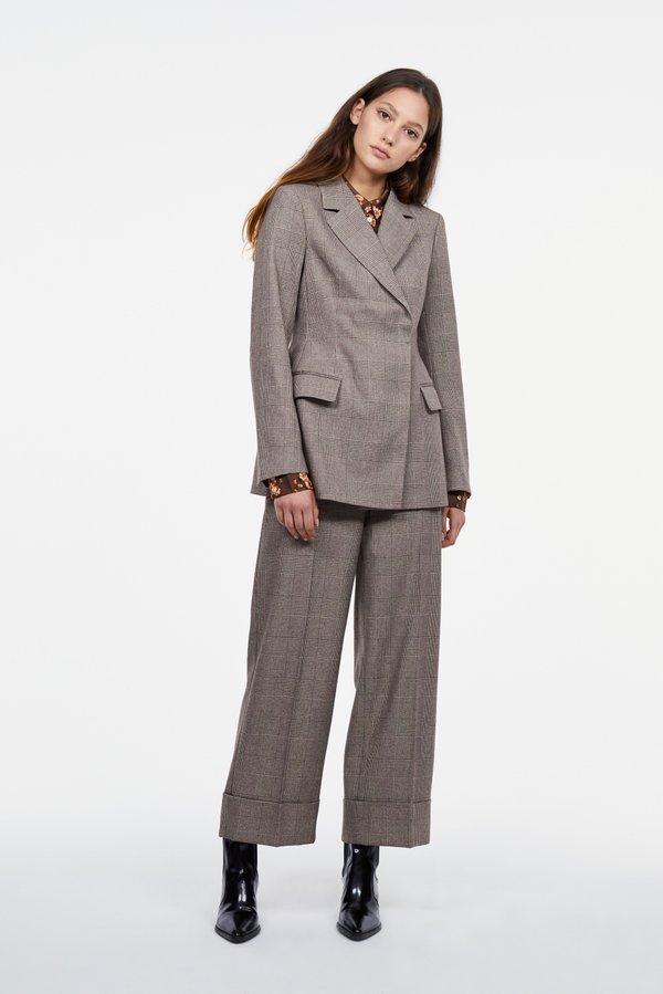 Классические брюки с отворотом