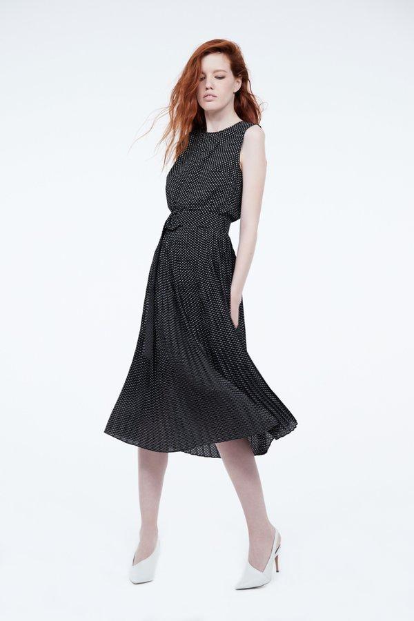 Платье с эластичной талией и поясом