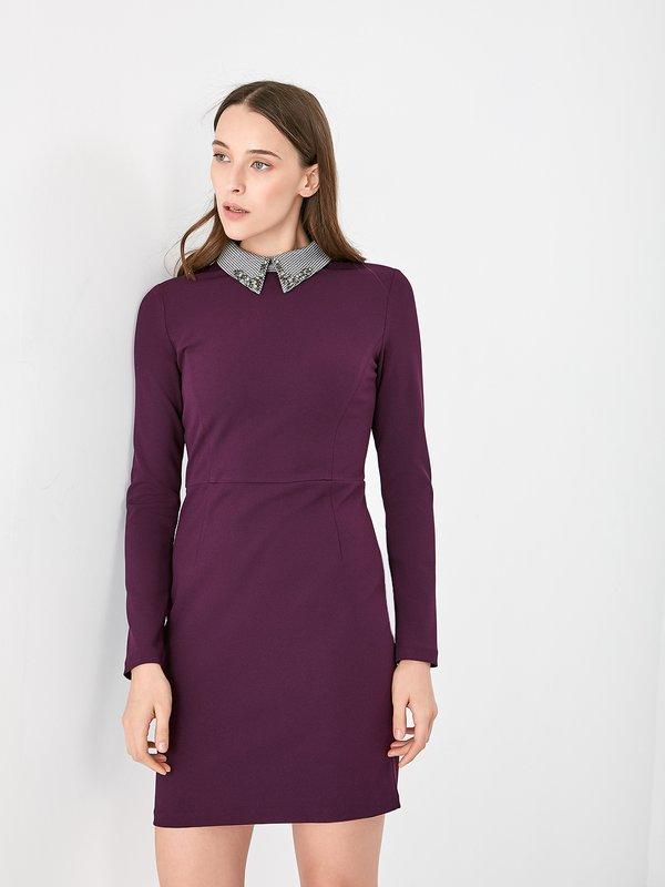 Платье с декоративной отделкой на воротнике  цвет: темно-фиолетовый