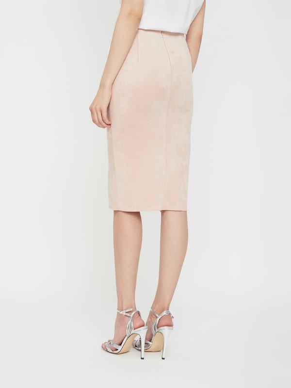 Замшевая юбка-карандаш вид сзади