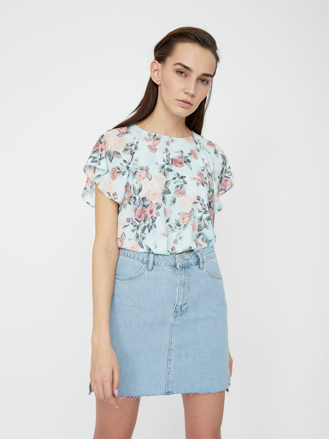 Блузка с завязками на спинке
