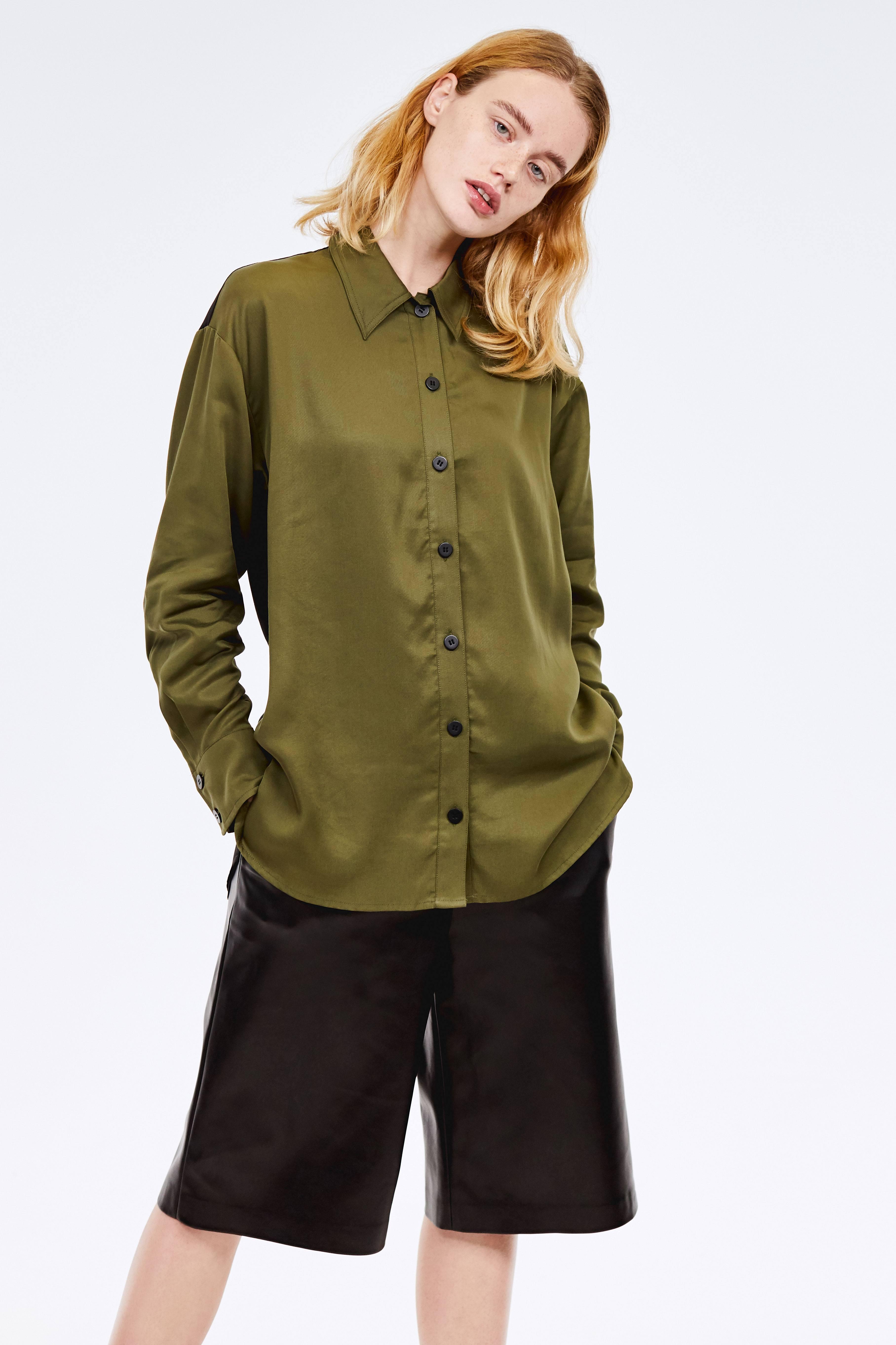 Рубашка с контрастными пуговицами фото