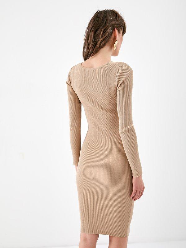 Платье из рифленого трикотажа вид сзади