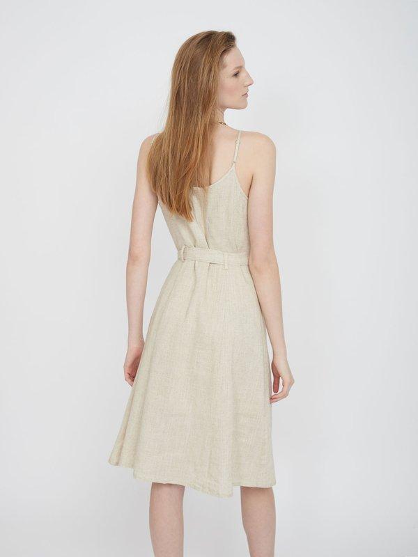 Платье-миди на тонких бретелях вид сзади