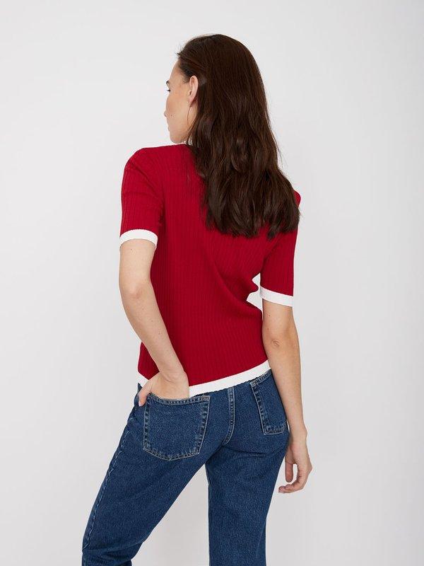 Джемпер с контрастным воротником и вставками вид сзади