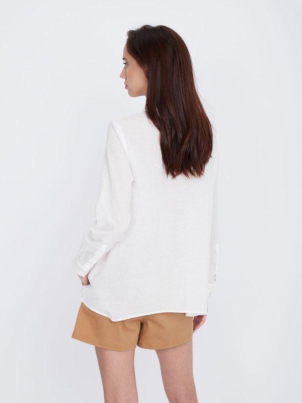 Рубашка с перфорацией  вид сзади