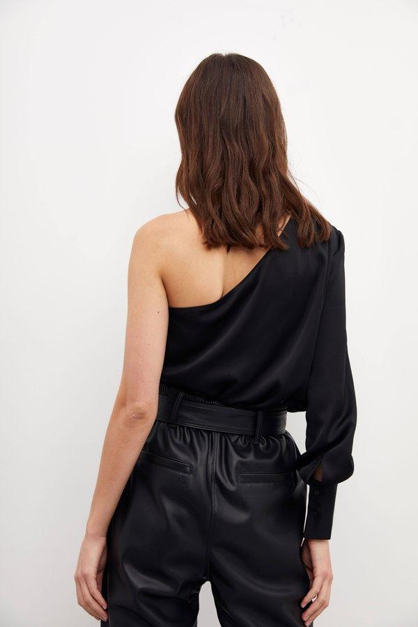 Асимметричная блузка вид сзади