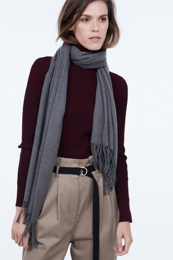 Шарф с бахромой цвет: серый