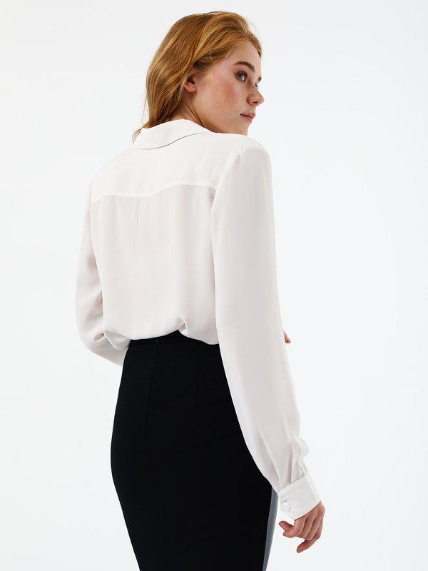 Рубашка с отстрочками вид сзади