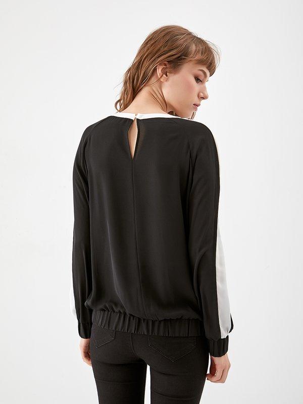 Блузка с контрасной отделкой  вид сзади