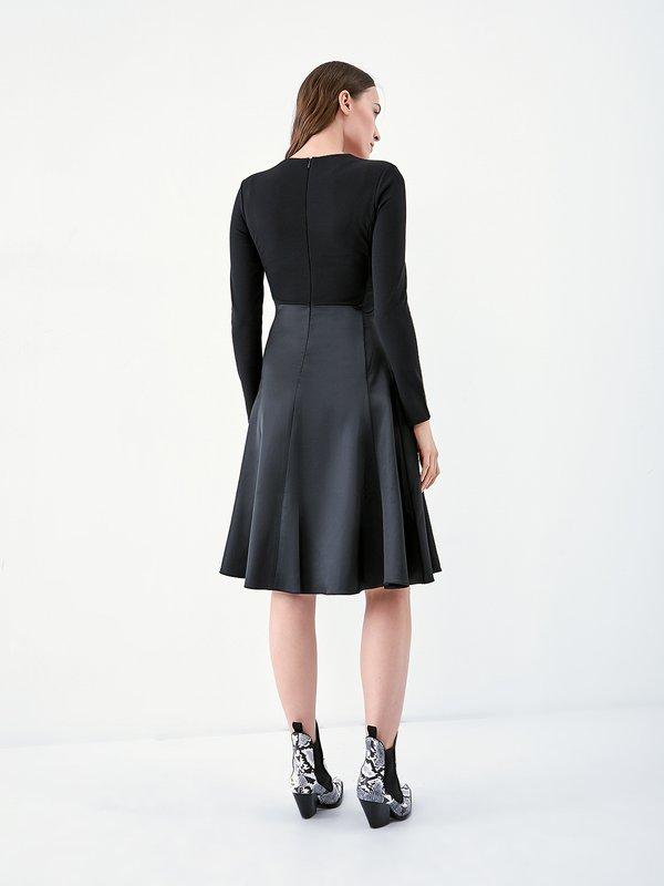 Комбинированное платье из экокожи вид сзади