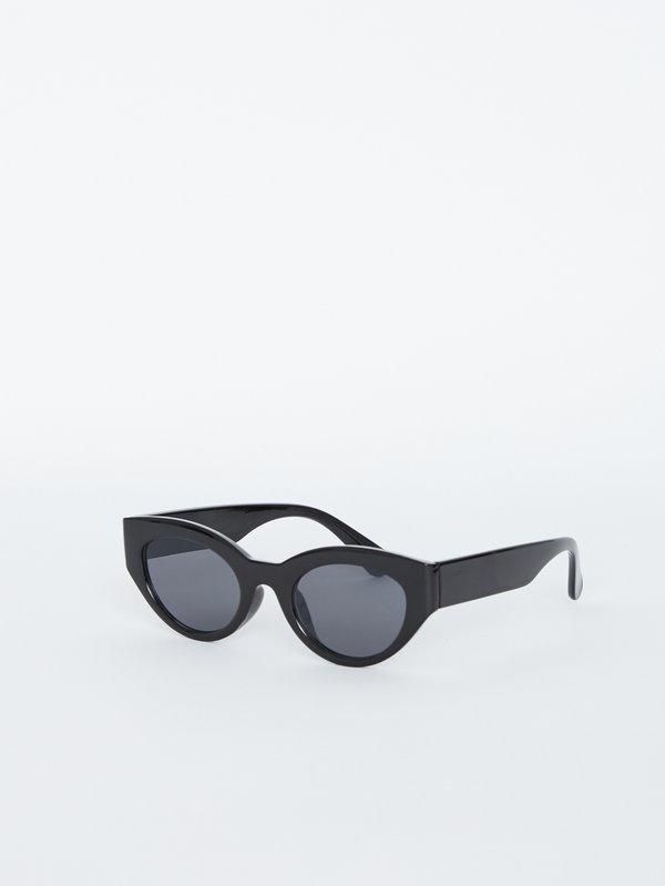 """Солнечные очки """"cat eye"""" вид сзади"""