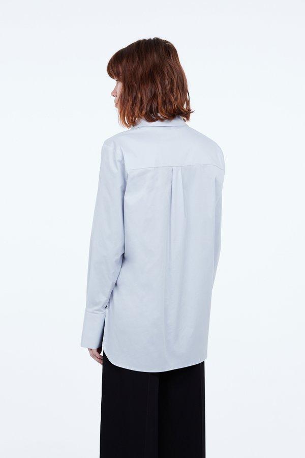 Рубашка А-силуэта вид сзади