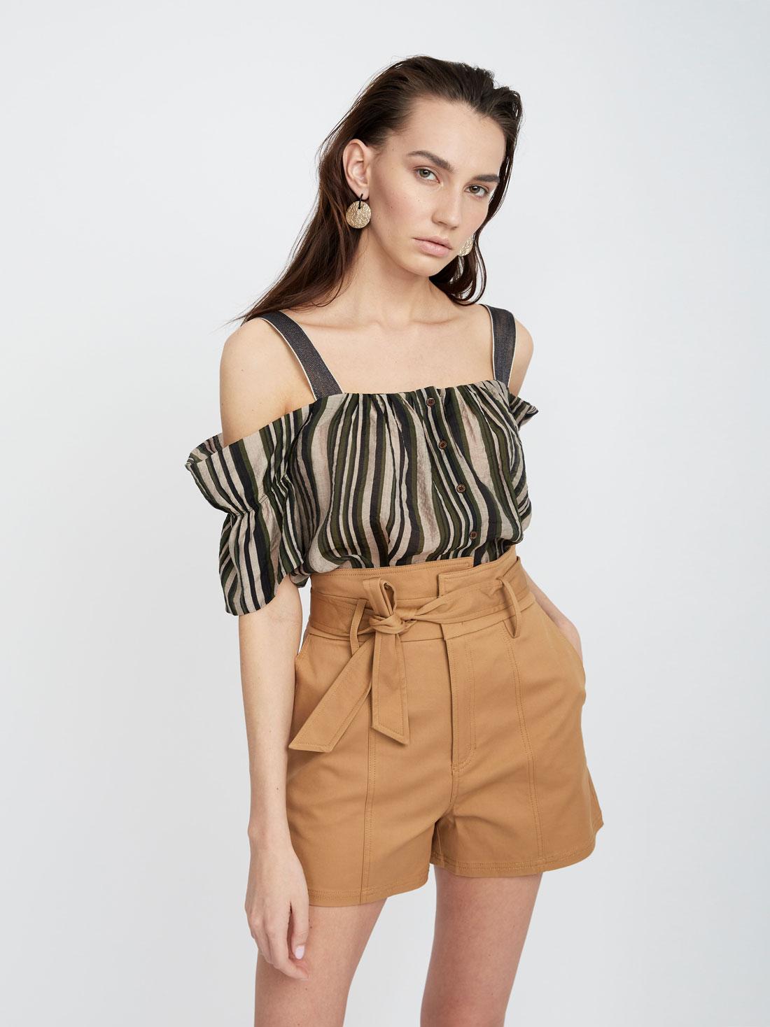 Блузка из хлопка с открытыми плечами