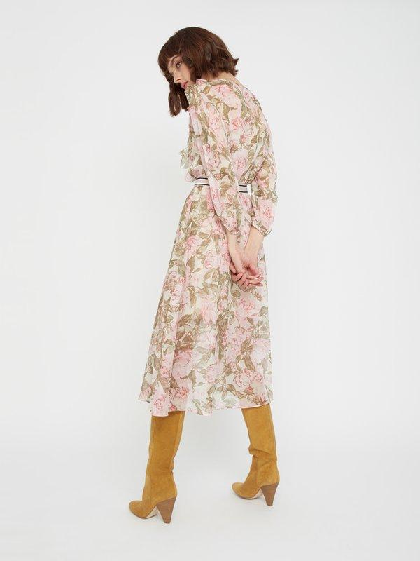Струящееся платье с поясом вид сзади