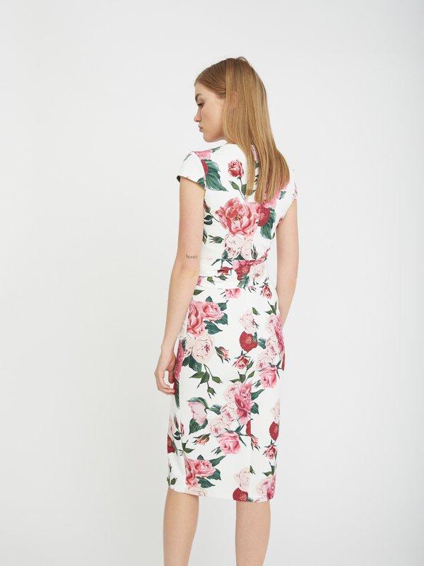 Платье-футляр с поясом вид сзади