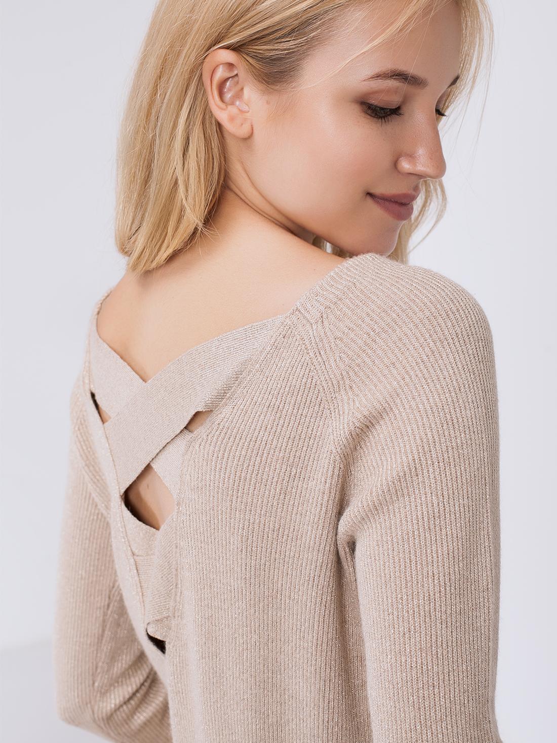 Джемпер с декоративной спиной