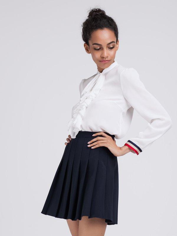 Расклешенная юбка со складками вид сзади