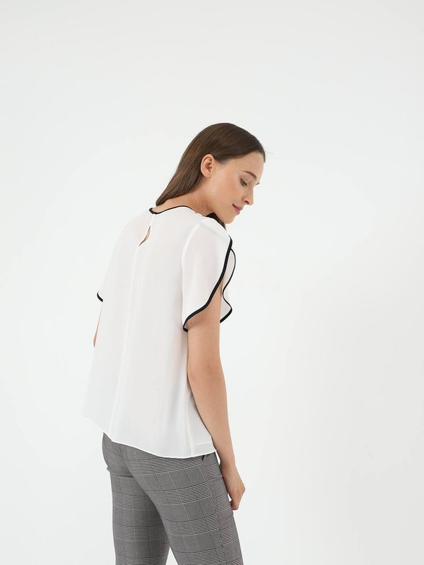 Блузка с контрастной отделкой  вид сзади