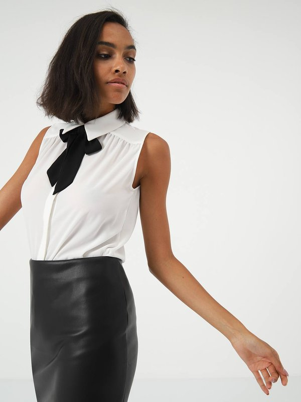 Блузка с бантом  цвет: молочный