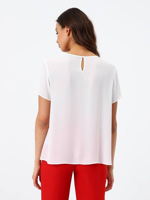 Блузка с асимметричной длиной вид сзади
