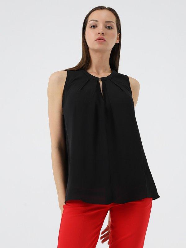 Блузка свободного кроя цвет: черный