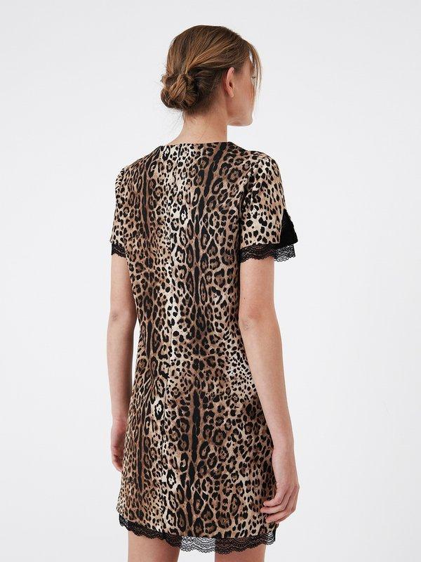 Платье с отделкой из кружева  вид сзади