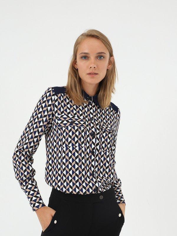 Рубашка с геометрическим принтом