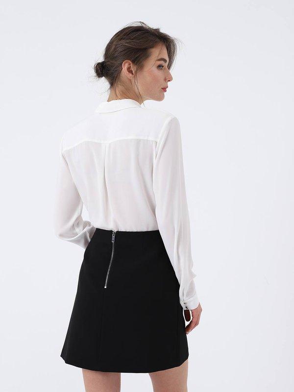 Блузка с вырезом вид сзади