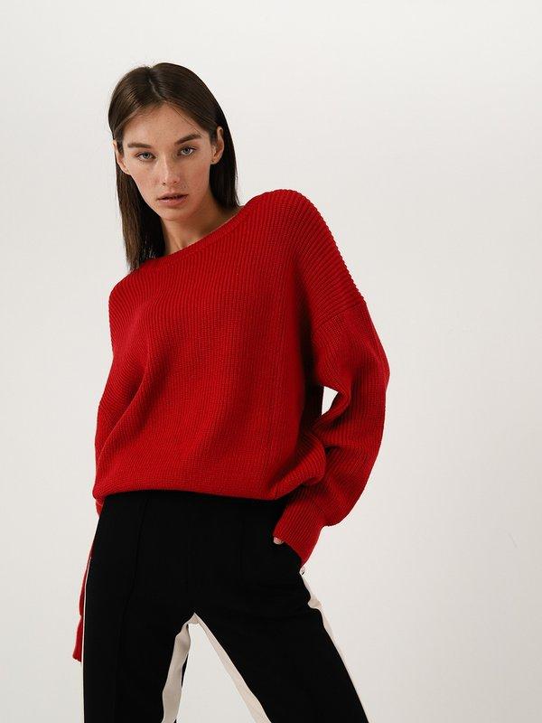 Объемный джемпер цвет: красный