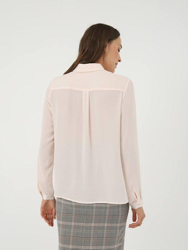 Классическая рубашка с карманом вид сзади